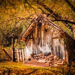 Hobbit shed in Bath County VA